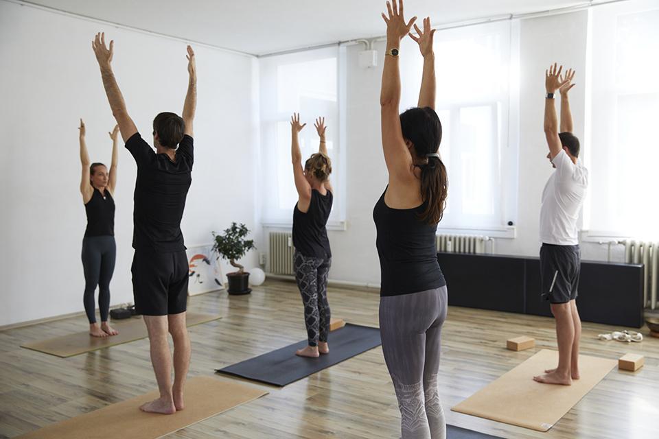 Yoga Gruppenkurs mit Angela Sauer im Pilates & Yoga Studio 1 in Pforzheim